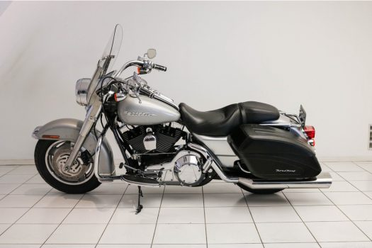 Harley-Davidson  88 FLHRSI Road King Custom  2004 4