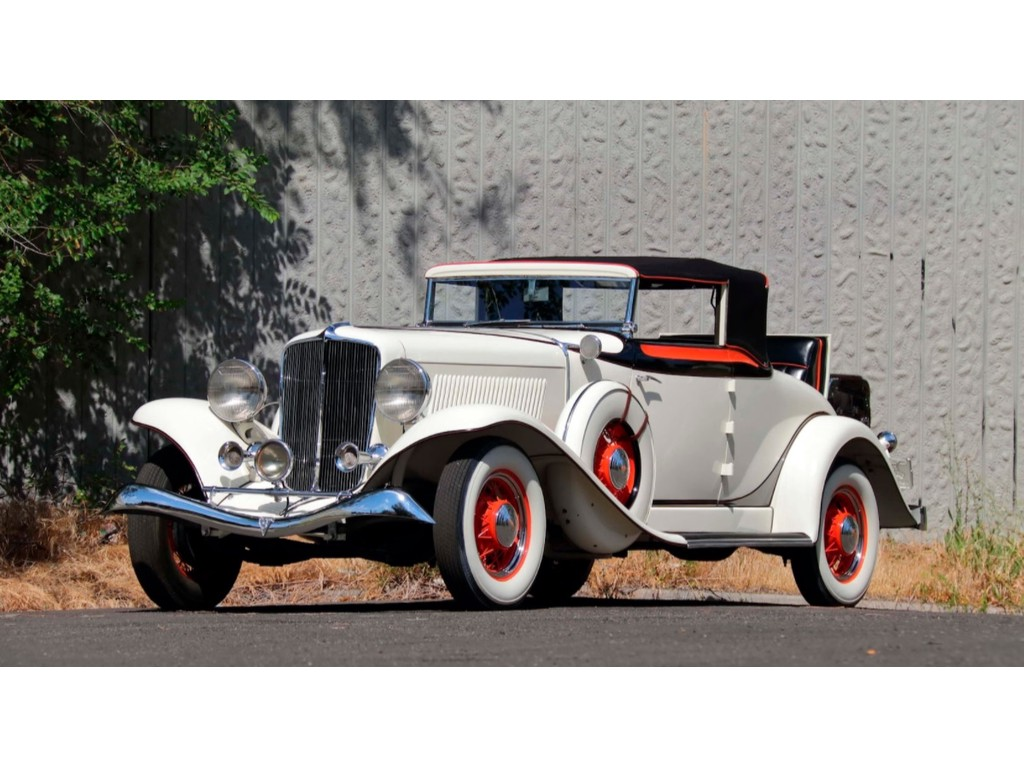 Occasion Auburn 8 - 105 Classic White Convertible 1933